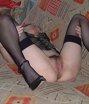 Femme mariée en lingerie sexy (infidèle)