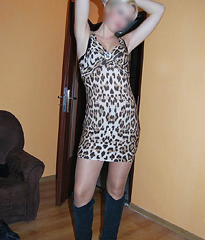 Libertine sexy en robe léopard