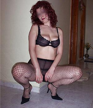 Femme mariée en lingerie très sexy