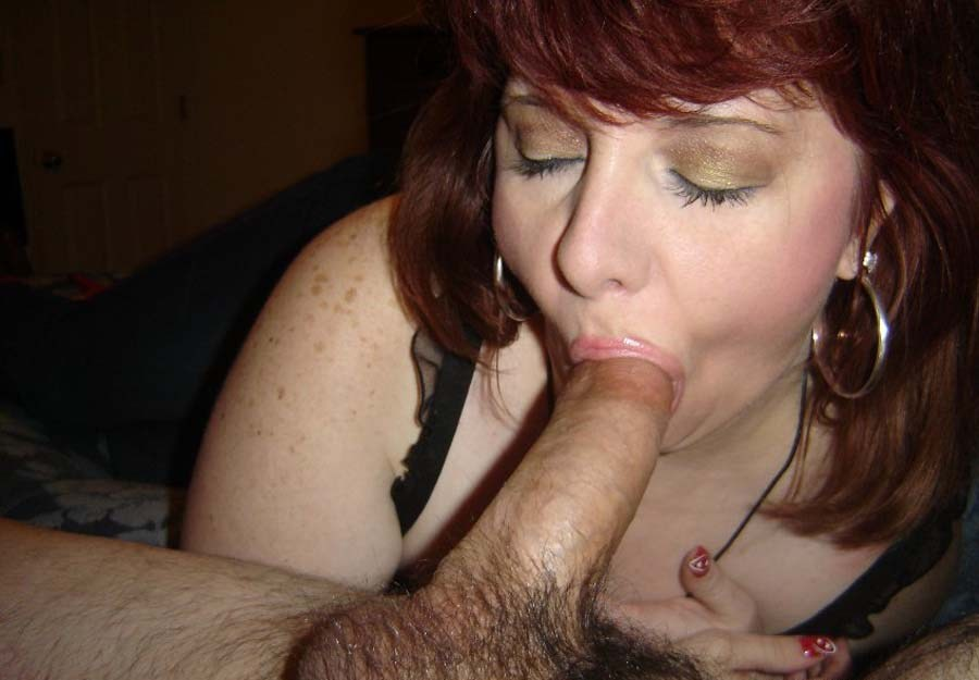 cougar-rousse-suce
