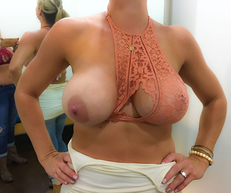 Cougar gros seins