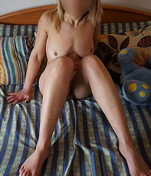Cagole blonde à Marseille