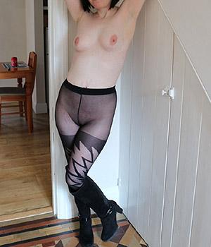Femme nue en collants sexy