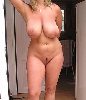 Belle et grosse poitrine naturelle