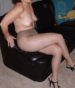 Femme mariée infidèle en collants sexy