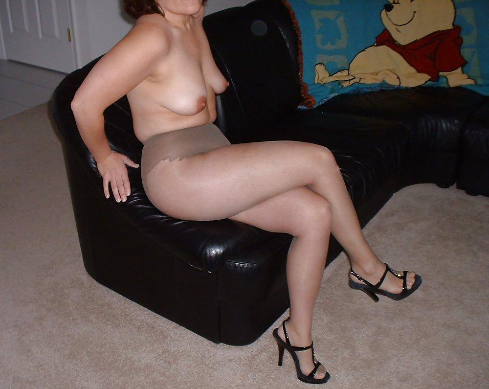 Femme nue en collant - Rencontre extraconjugale