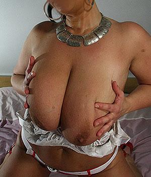 Très gros seins