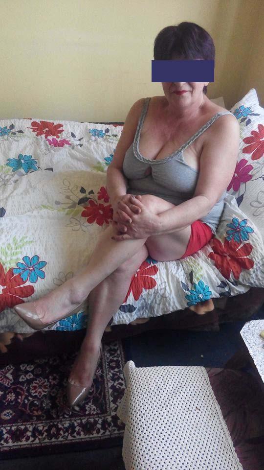 Femme cougar du 91, belle poitrine