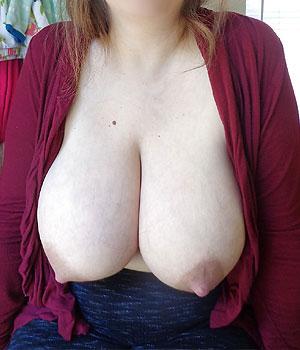 Énorme paire de seins