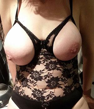 Beaux seins à Nanterre (92)