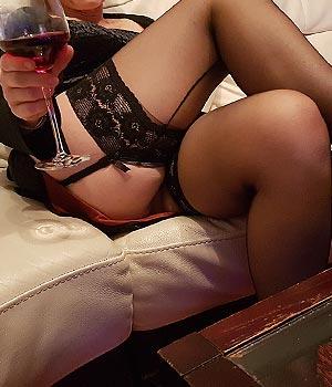 Femme cougar en lingerie sexy