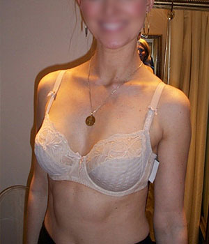 Femme mature exhibe sa grosse schneck