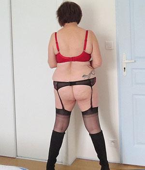 Femme mature en lingerie sexy cherche un plan cul