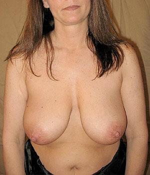 Femme mûre très belle paire de seins à Nancy
