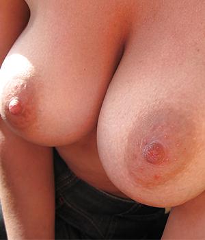 Belle paire de seins - Plan cul Carcassonnaise