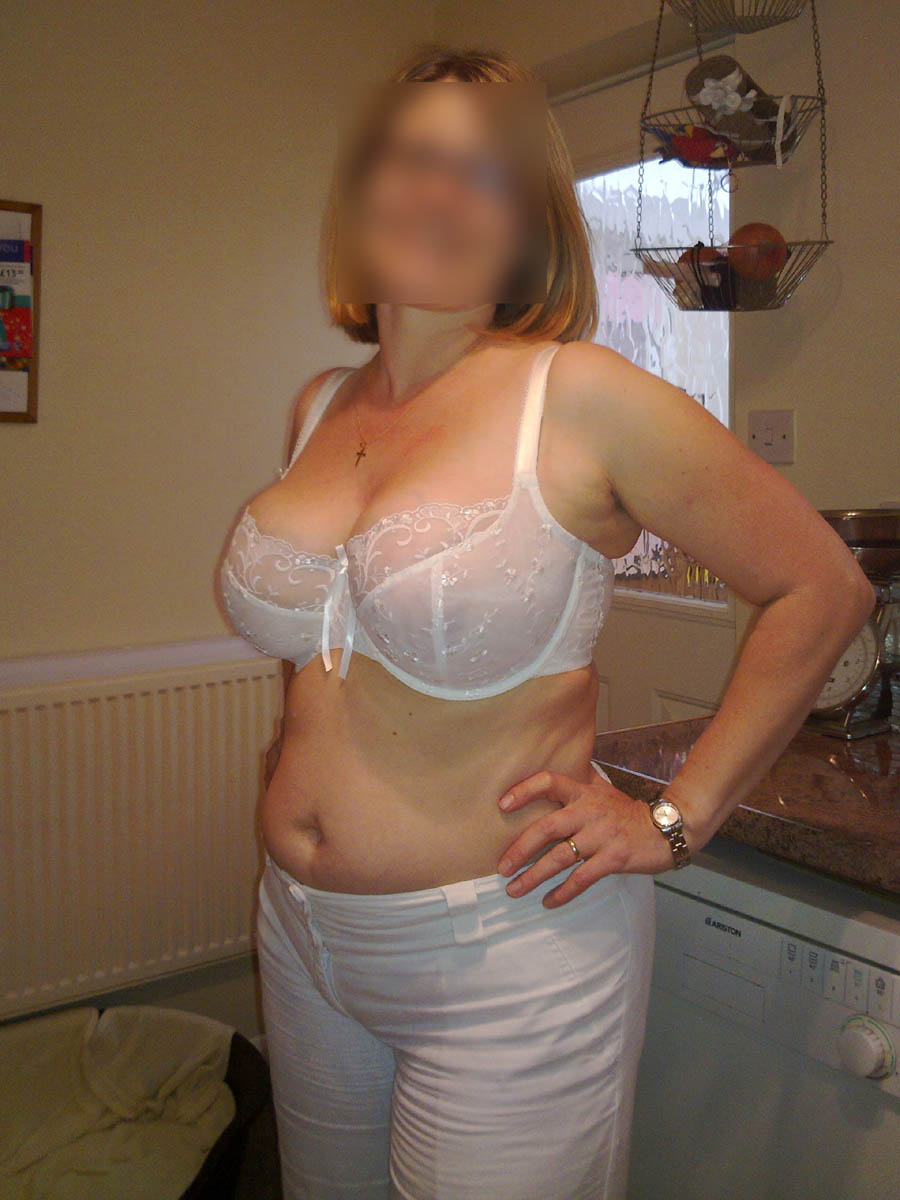Femme mûre grosse poitrine cherche un plan sexe