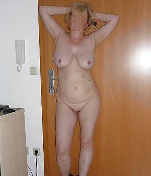 Saint-Avertinoise sexy et mature nue - Rencontre mature