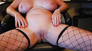 RDV Cougar: mature Paloise blonde à gros seins