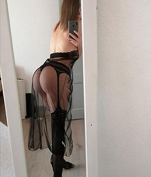 Nuisette sexy dans ma chambre