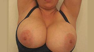Rencontre Paris : grosse paire de seins naturels
