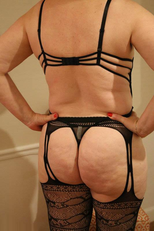 En string et lingerie coquine