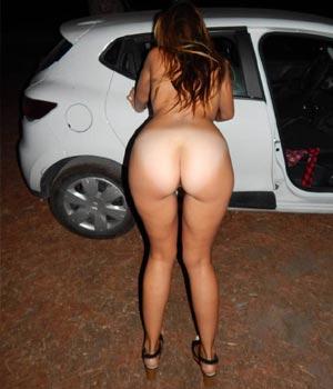 Mon beau cul en plan baise dans la voiture