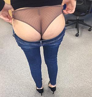 Je montre mon cul en culotte