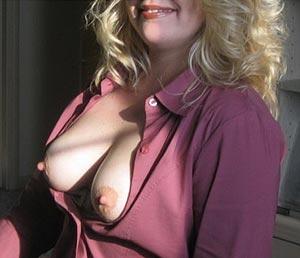 Rencontre femme du Loiret. Blonde, belle poitrine.