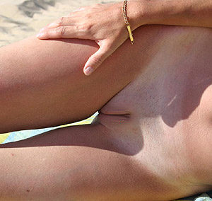 Nue à la plage